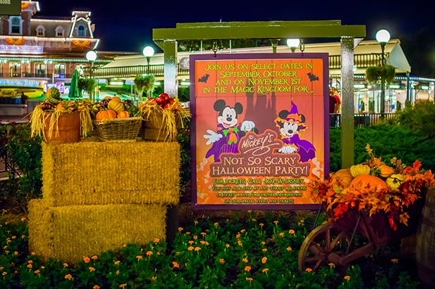 mickeys-not-so-scary-halloween-party-sign-andy