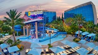 pools-disneyland-hotel-04